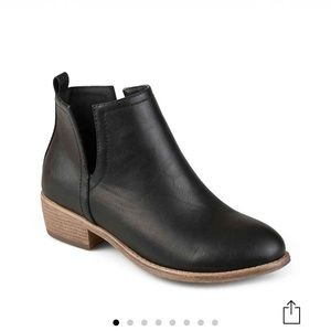 NWT Journee Collection India bootie